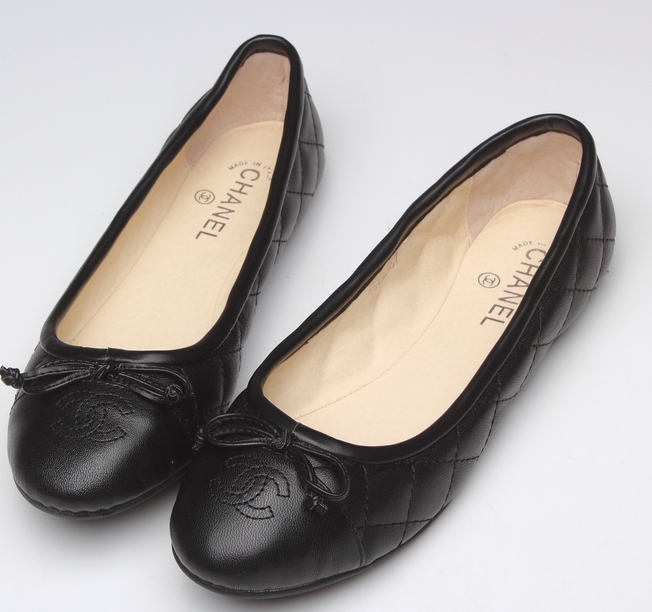 Chanel_Quilted2_Ballet_Flats_Black__40631_zoom__44348_zoom-1